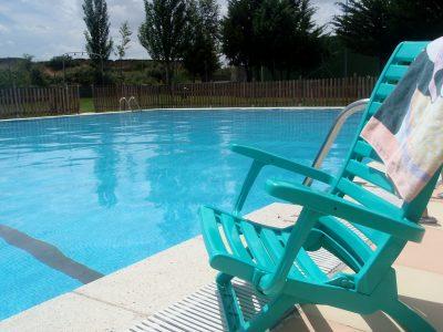 casa rural con piscina municipal