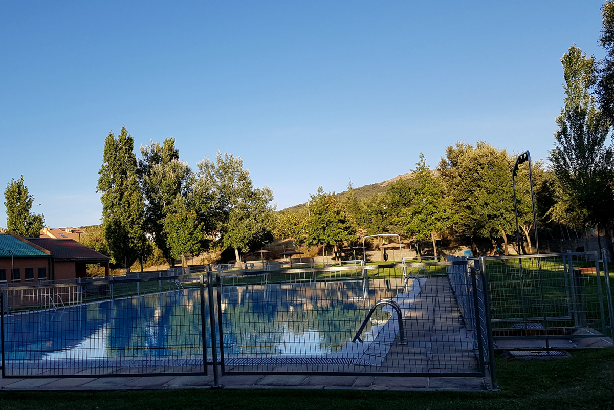 alojamiento cerca de piscina municipal