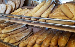 casa rural con panaderia