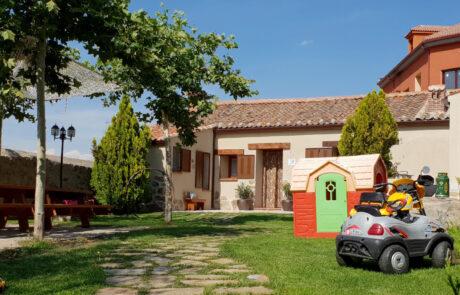 Casa rural jardín grande y barbacoa